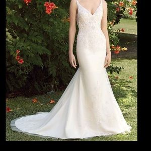 Beautiful wedding gown with heart addition